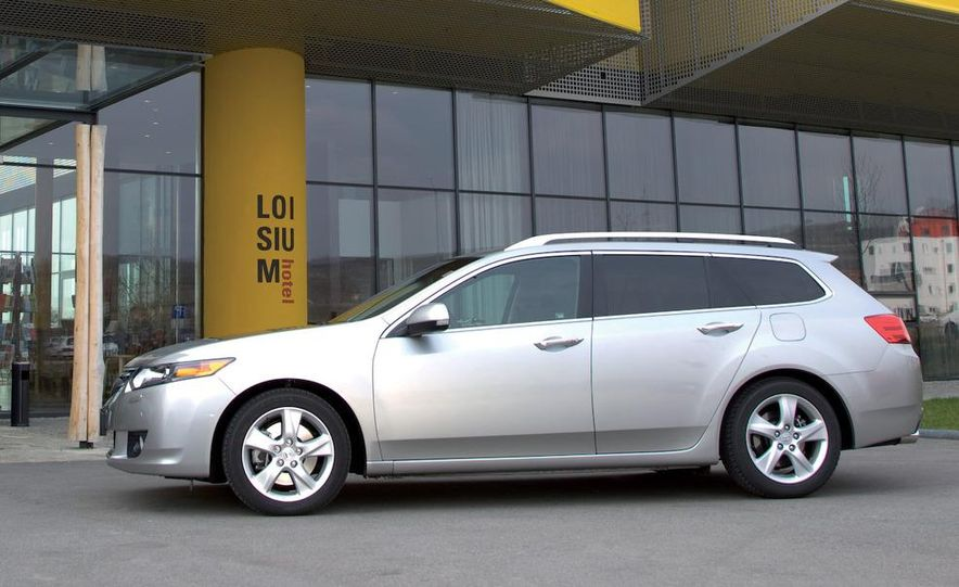 2011 Acura TSX Sport Wagon - Slide 25