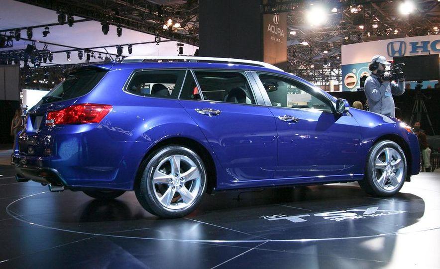 2011 Acura TSX Sport Wagon - Slide 4