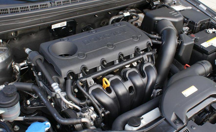 2011 Kia Forte 5-door - Slide 40