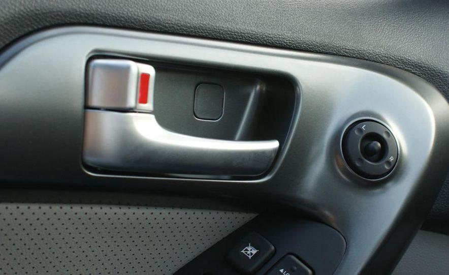 2011 Kia Forte 5-door - Slide 25