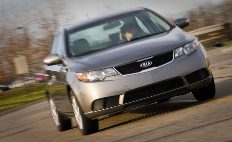 2011 Kia Forte 5-door - Slide 7