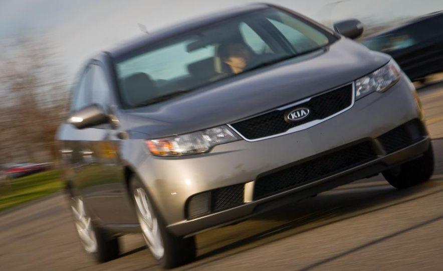 2011 Kia Forte 5-door - Slide 8