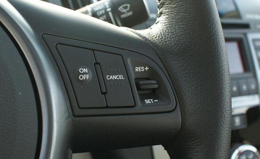 2011 Kia Forte 5-door - Slide 39