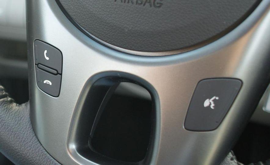 2011 Kia Forte 5-door - Slide 29
