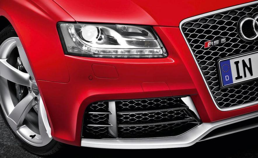 2010 Audi RS5 - Slide 44