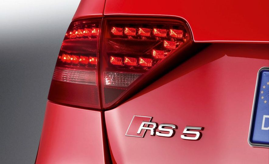 2010 Audi RS5 - Slide 25