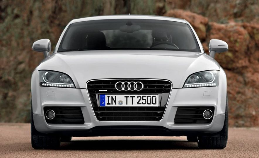 2011 Audi TT coupe (European spec) - Slide 2
