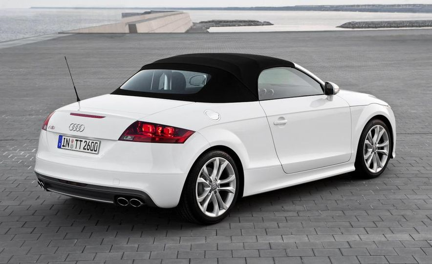 2011 Audi TT coupe (European spec) - Slide 11