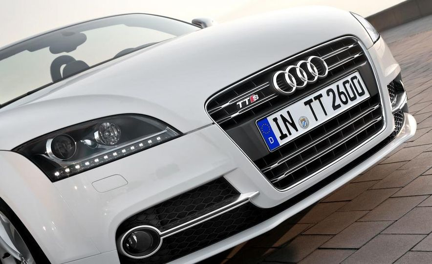 2011 Audi TT coupe (European spec) - Slide 12