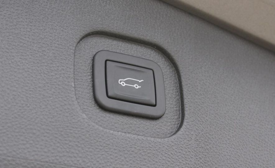 2010 GMC Terrain SLT AWD - Slide 28