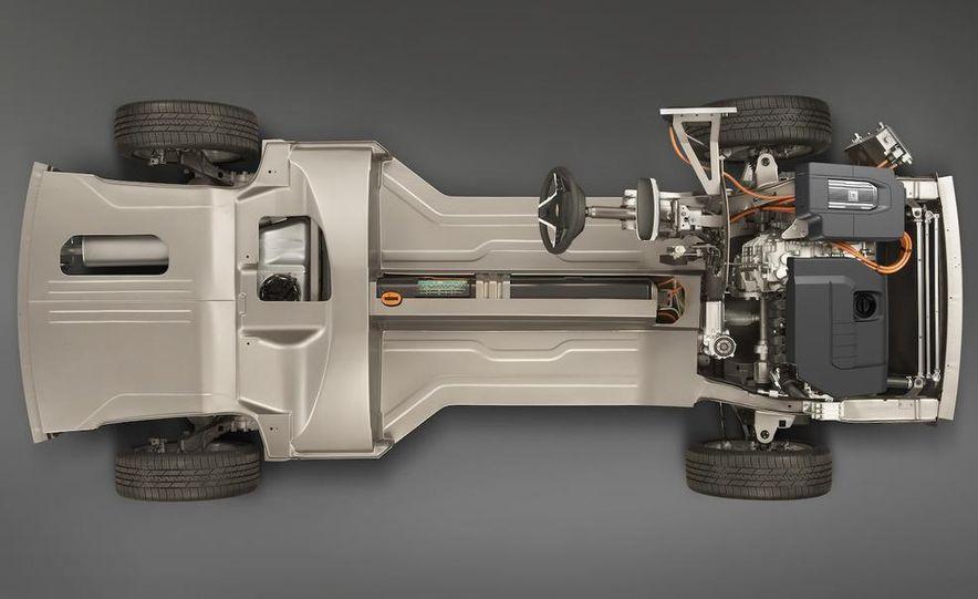 Chevrolet Volt MPV5 electric concept - Slide 73
