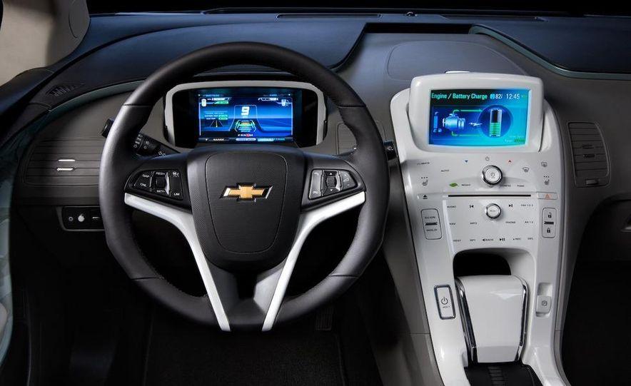 Chevrolet Volt MPV5 electric concept - Slide 56