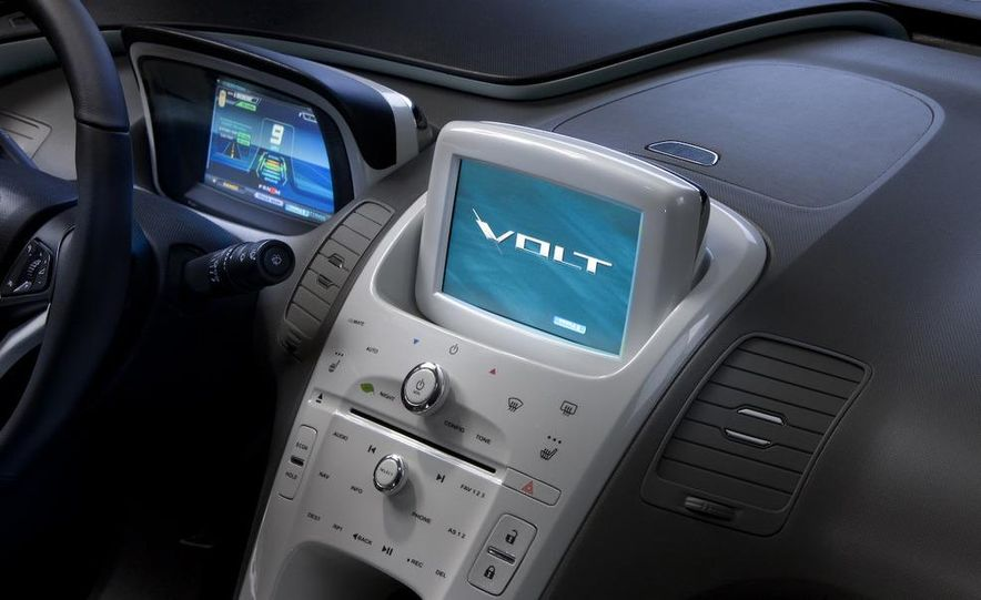 Chevrolet Volt MPV5 electric concept - Slide 57
