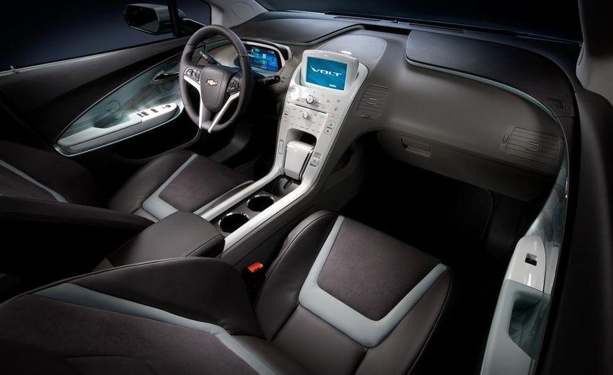 Chevrolet Volt MPV5 electric concept - Slide 58