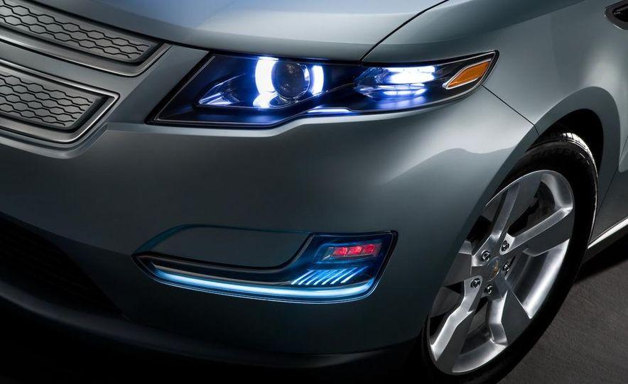 Chevrolet Volt MPV5 electric concept - Slide 53