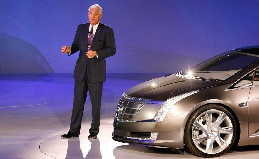 Chevrolet Volt MPV5 electric concept - Slide 32