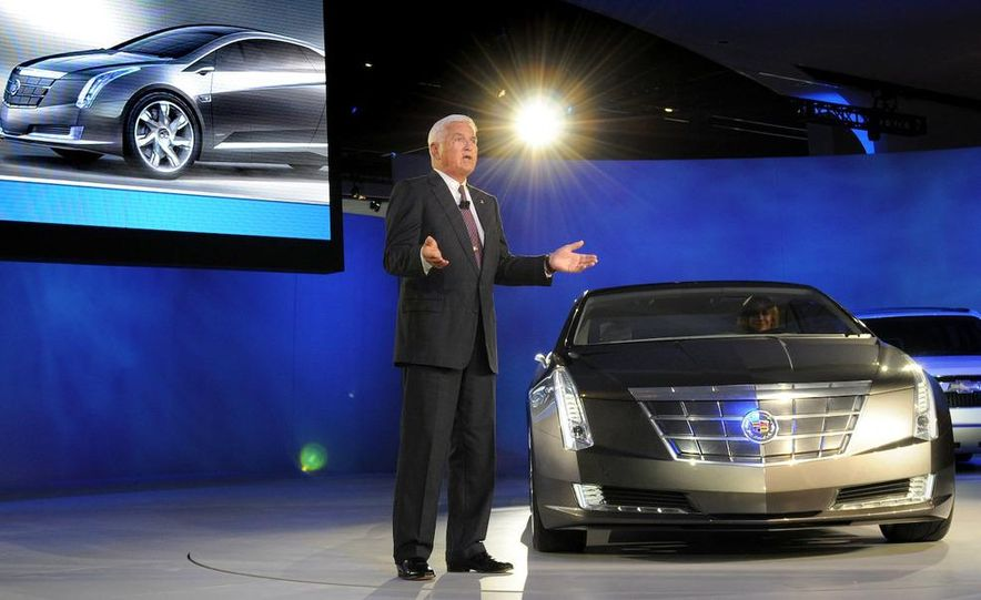 Chevrolet Volt MPV5 electric concept - Slide 37