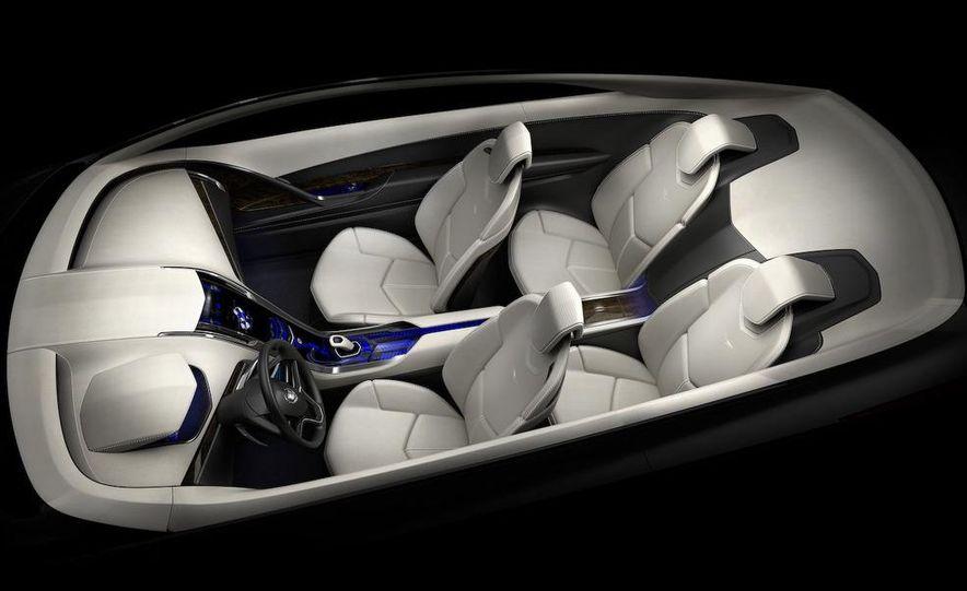 Chevrolet Volt MPV5 electric concept - Slide 42