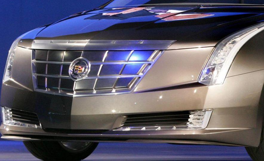 Chevrolet Volt MPV5 electric concept - Slide 33