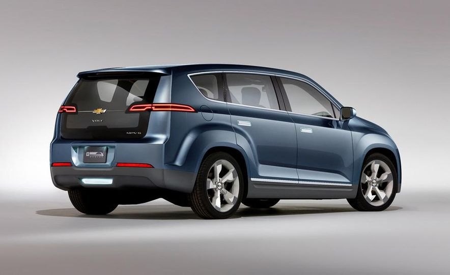 Chevrolet Volt MPV5 electric concept - Slide 16