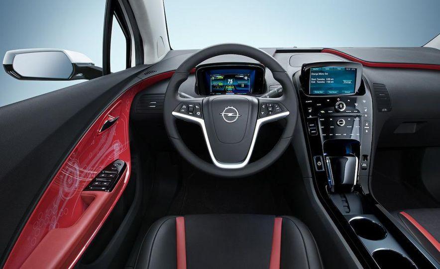Chevrolet Volt MPV5 electric concept - Slide 70