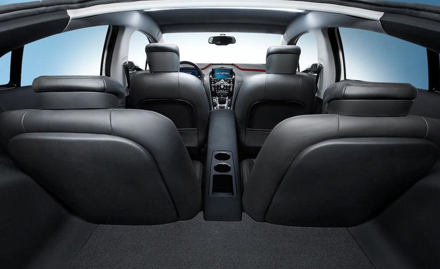 Chevrolet Volt MPV5 electric concept - Slide 71