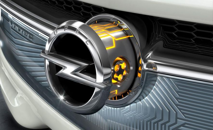 Chevrolet Volt MPV5 electric concept - Slide 79