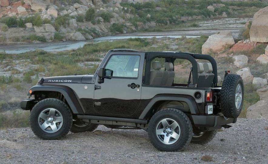 2010 Jeep Wrangler Rubicon - Slide 8