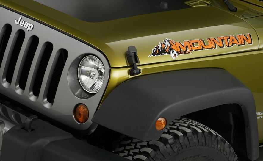 2010 Jeep Wrangler Rubicon - Slide 21
