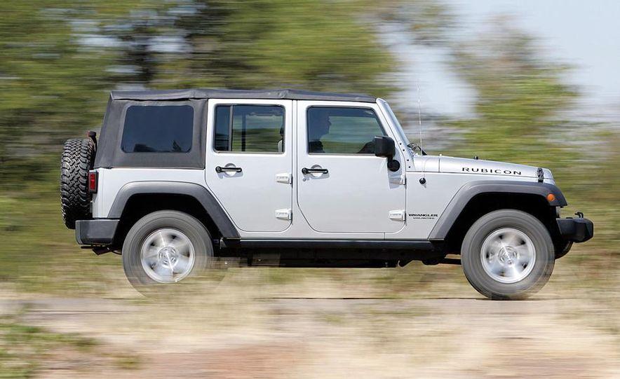 2010 Jeep Wrangler Rubicon - Slide 12