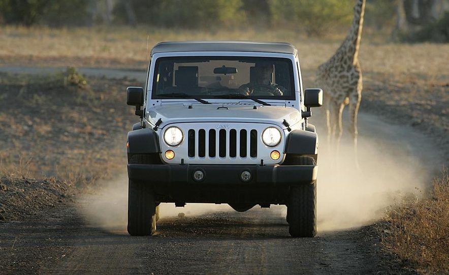 2010 Jeep Wrangler Rubicon - Slide 13