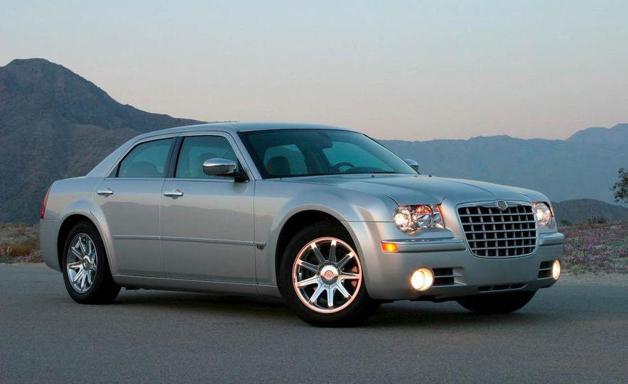 2010 Chrysler 300C - Slide 21