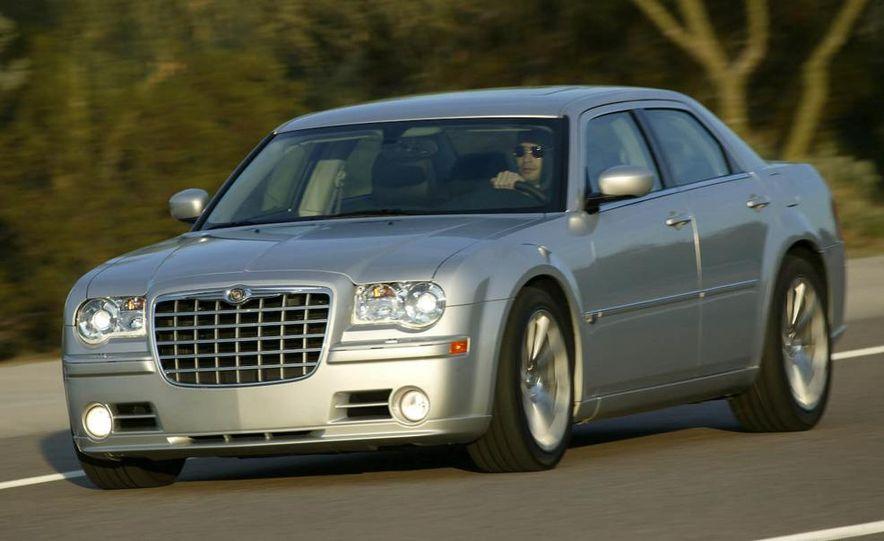 2010 Chrysler 300C - Slide 25