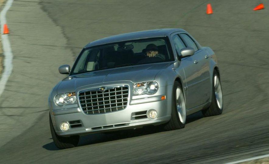2010 Chrysler 300C - Slide 27