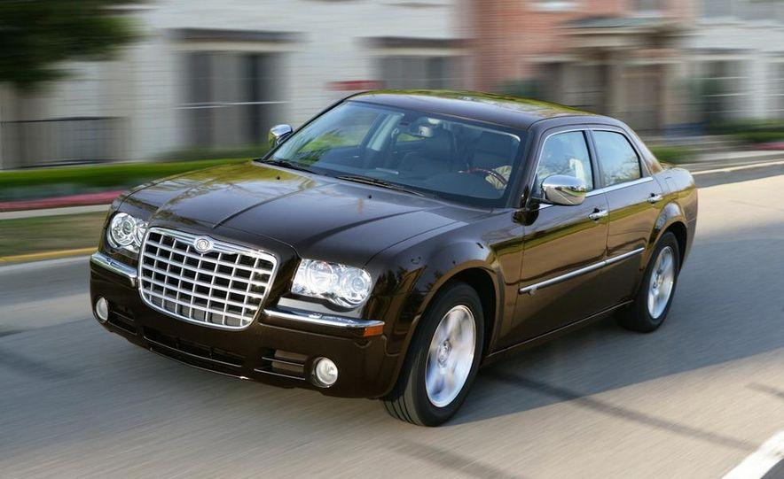 2010 Chrysler 300C - Slide 2