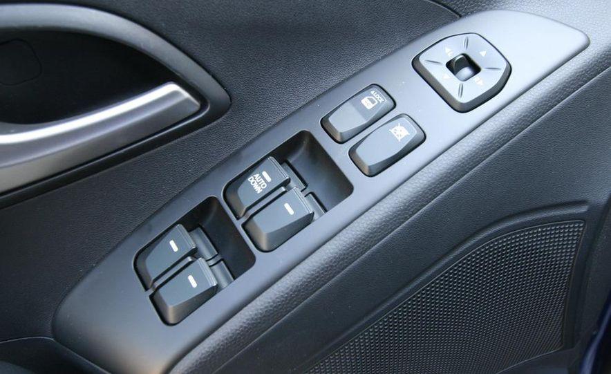 2010 Hyundai Tucscon GLS manual - Slide 50