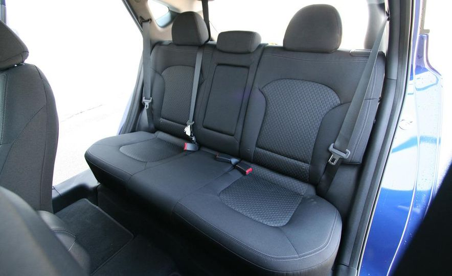 2010 Hyundai Tucscon GLS manual - Slide 61