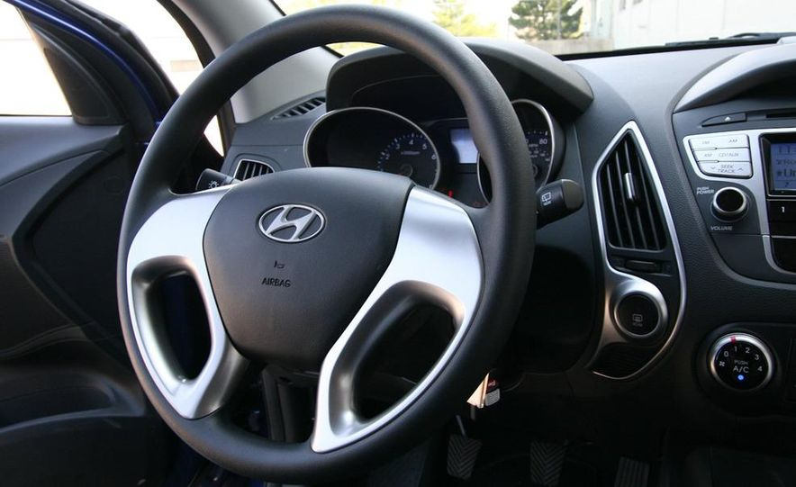 2010 Hyundai Tucscon GLS manual - Slide 59