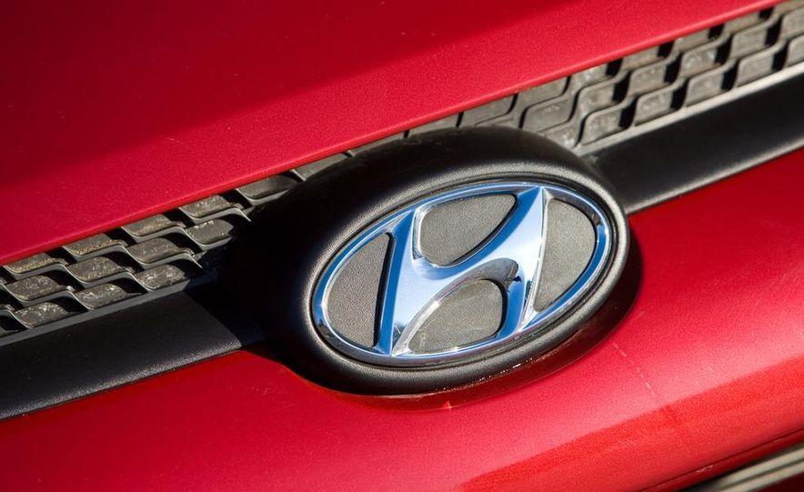 2010 Hyundai Tucscon GLS manual - Slide 42
