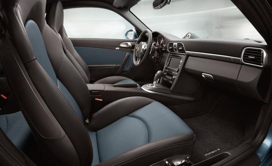 2011 Porsche 911 Turbo S - Slide 40