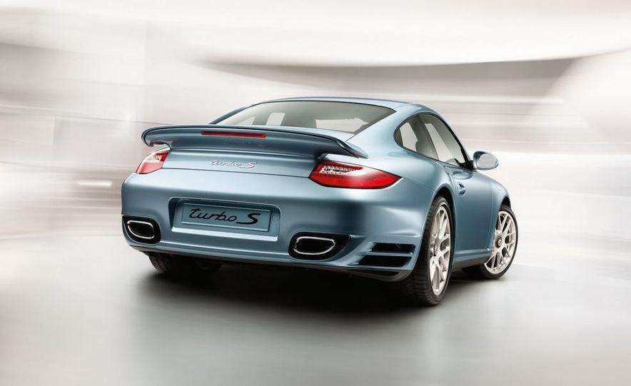 2011 Porsche 911 Turbo S - Slide 21