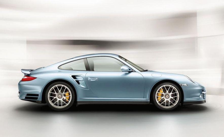 2011 Porsche 911 Turbo S - Slide 22