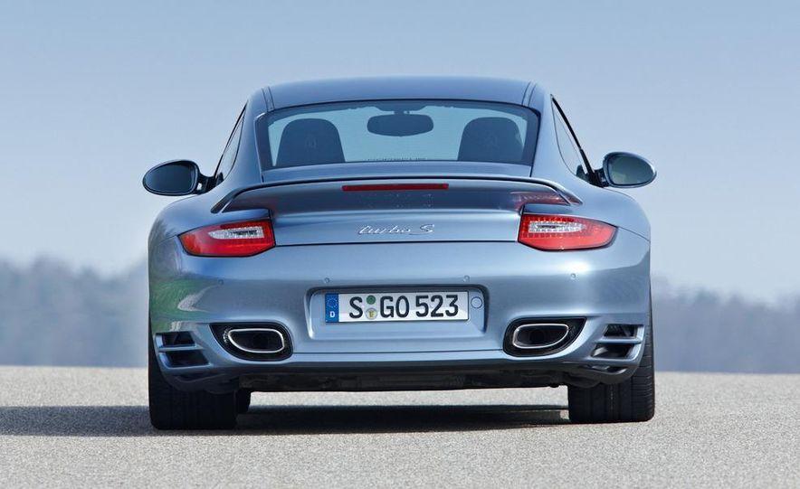 2011 Porsche 911 Turbo S - Slide 25