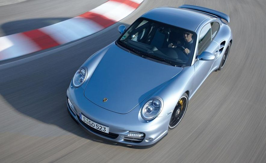 2011 Porsche 911 Turbo S - Slide 3