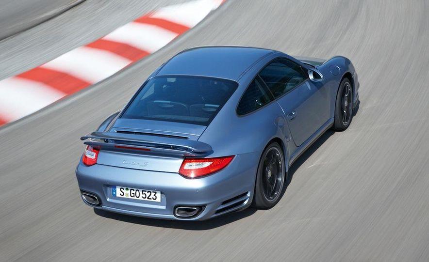 2011 Porsche 911 Turbo S - Slide 11