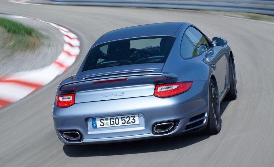 2011 Porsche 911 Turbo S - Slide 12
