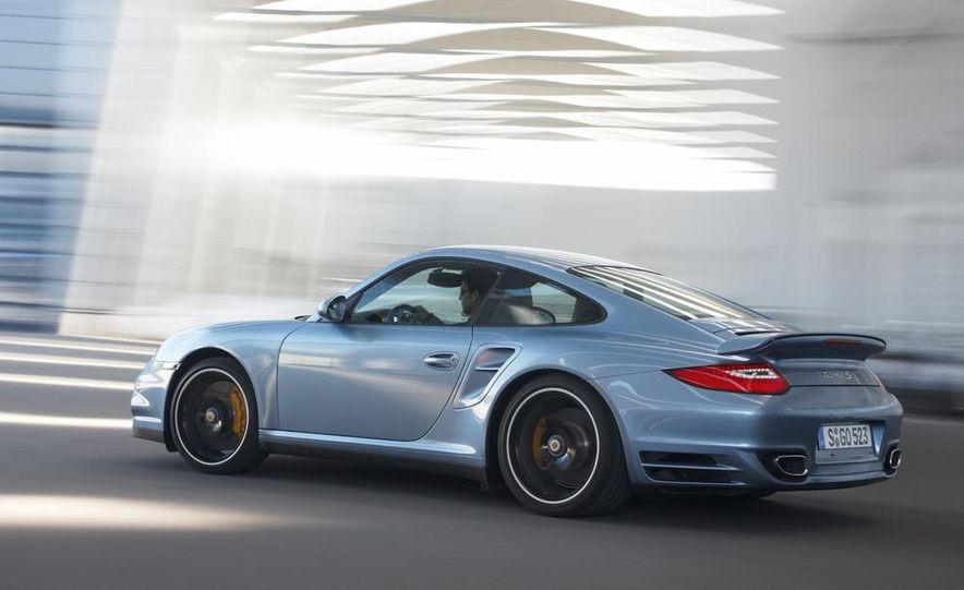 2011 Porsche 911 Turbo S - Slide 13