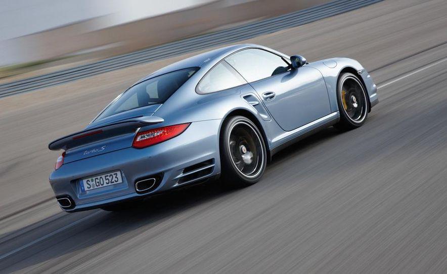 2011 Porsche 911 Turbo S - Slide 14