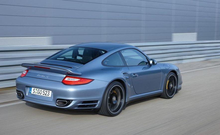 2011 Porsche 911 Turbo S - Slide 15