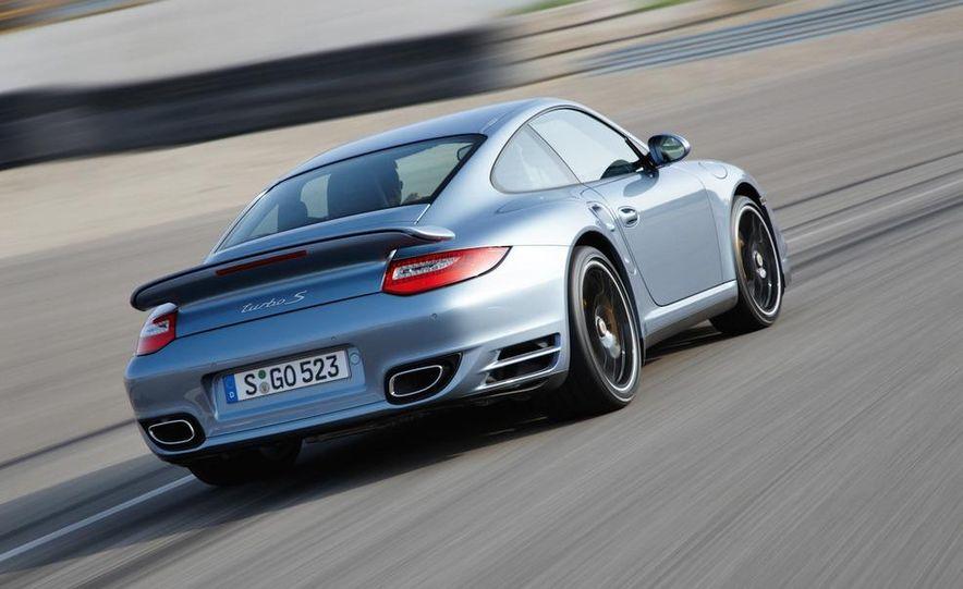 2011 Porsche 911 Turbo S - Slide 16
